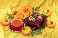 Вкусные рецепты: Торт с заварным кремом. Zuppa inglese napoletana, Вишневый ликер за 12 часов, уч-пуч-маки